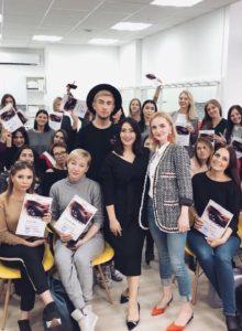 Екатеринбург: мастер-класс по бровям